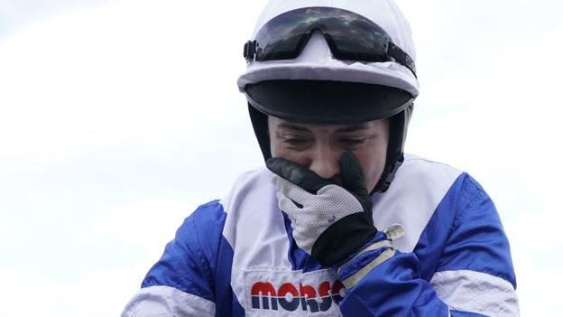 106120535 gettyimages 1135779346 - Bryony Frost: Broken collarbone rules Cheltenham winner out of Grand National
