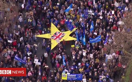 106151319 p074f221 - Brexit: People's Vote march to Parliament Square - sped-up