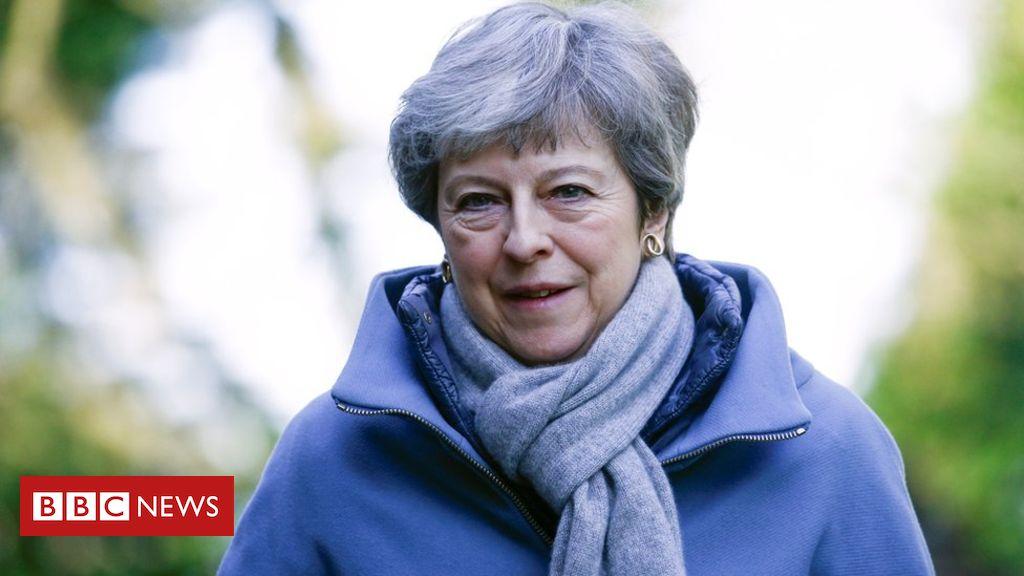 106163654 mediaitem106163653 - Brexit: Cabinet to meet amid pressure on May