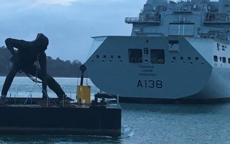 p073vnbb - 'UK's largest' bronze sculpture arrives in Plymouth