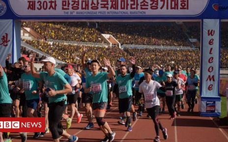 106335085 053359311 2 - North Korea: Tourists swell Pyongyang marathon turnout