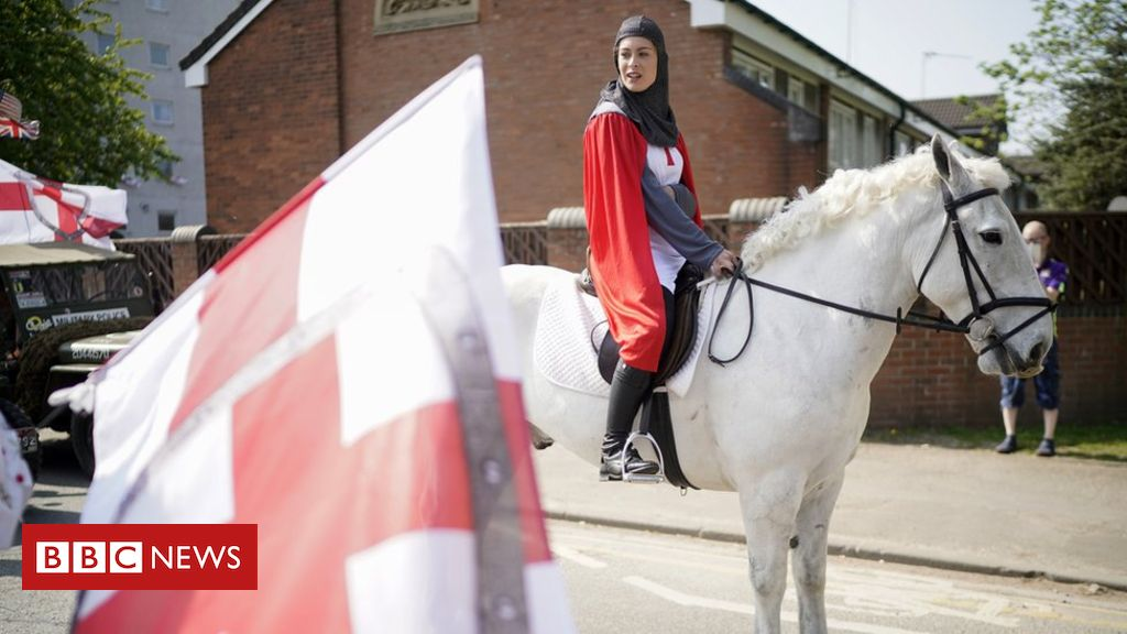 106559138 gettyimages 1144350918 - St George's Day: England marks saint's day but churches delay