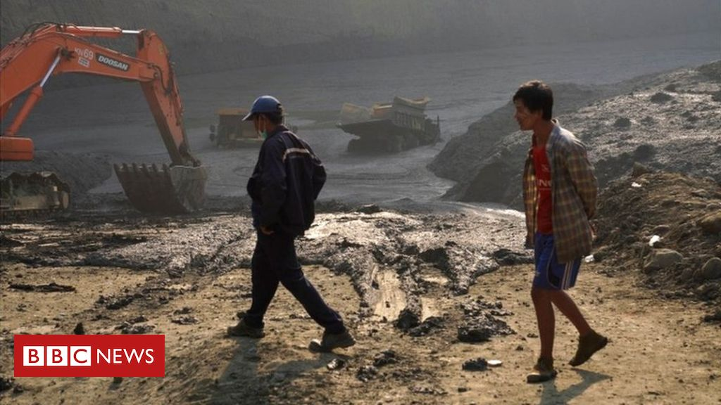 106565797 053528733 1 - Myanmar landslide buries at least 54 jade miners