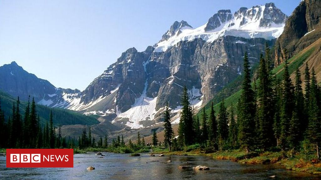 95215716 avalanche - Canada avalanche: Three professional climbers believed killed in Rockies
