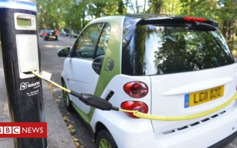 106171939 hi016120255 - Electric cars 'will not solve transport problem,' report warns
