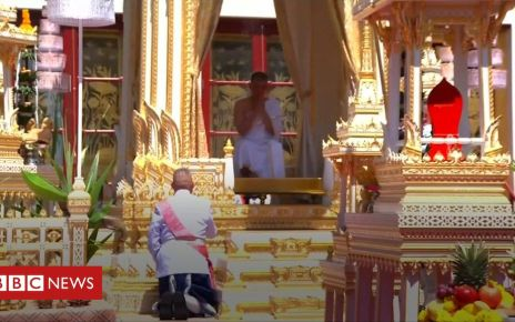 106794160 p078b4g8 - King Vajiralongkorn crowned in Thailand coronation ceremony