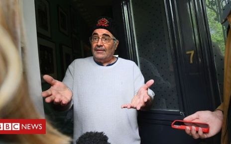106927830 dannybpa - Danny Baker: Standing ovation at first show since Twitter storm