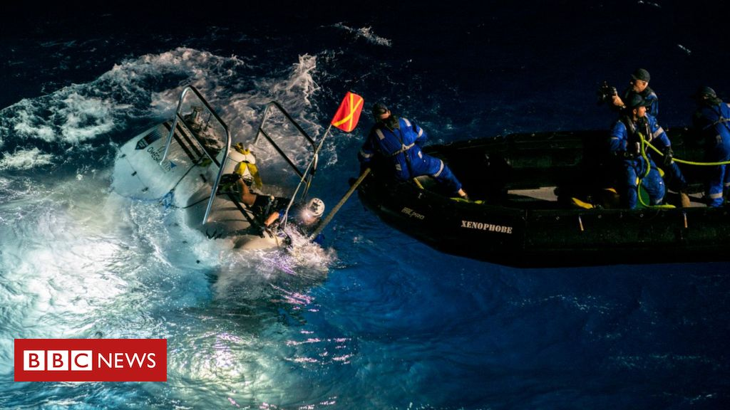 106935150 pix7 - Mariana Trench: Deepest-ever sub dive finds plastic bag