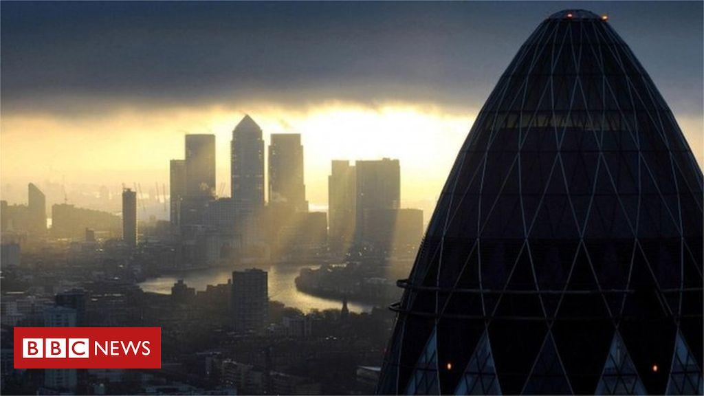 106983318 mediaitem64901567 - EU fines banks €1bn for currency rigging