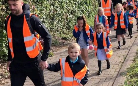 p079j2k0 - School run: How Cardiff primary is transforming pupils' commute