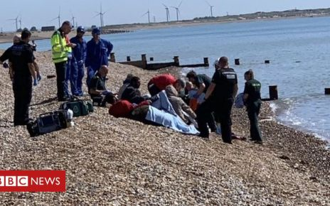 107192281 winchelsea2 - Channel migrants: 'Record number' of boats cross Channel