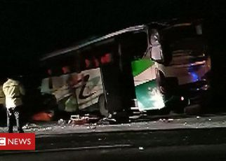 107405315 de29 - Indonesia bus crashes as passenger grabs steering wheel