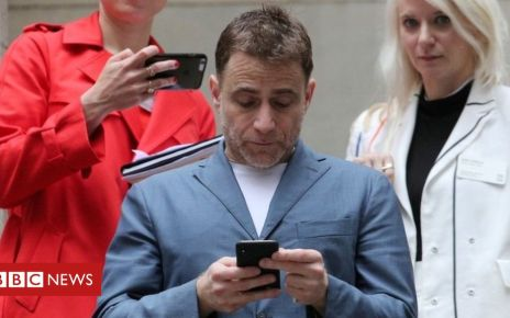 107480469 mediaitem107480468 - Slack: Why is this loss-making tech firm worth $20bn?