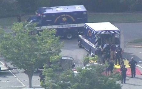 p07bygk5 - Virginia Beach killings: City names 12 victims of mass shooting