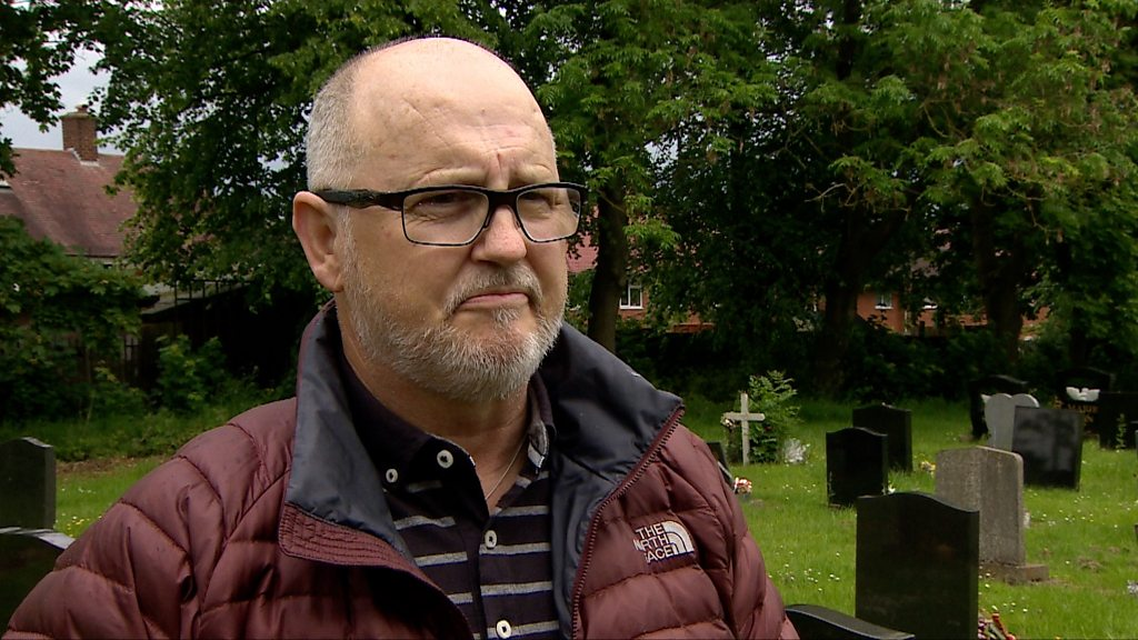 p07ctmpc - Contaminated blood inquiry: 'My four brothers died'