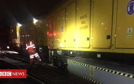 107800861 mediaitem107800860 - London Victoria derailment hits Gatwick Express trains