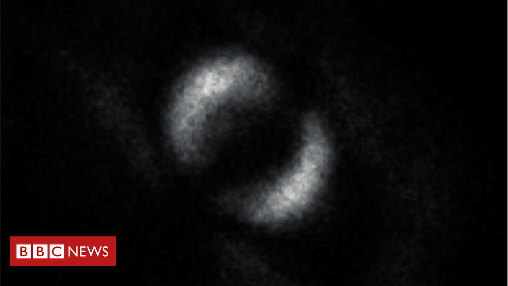 107856947 capture - First image of Einstein's 'spooky' particle entanglement