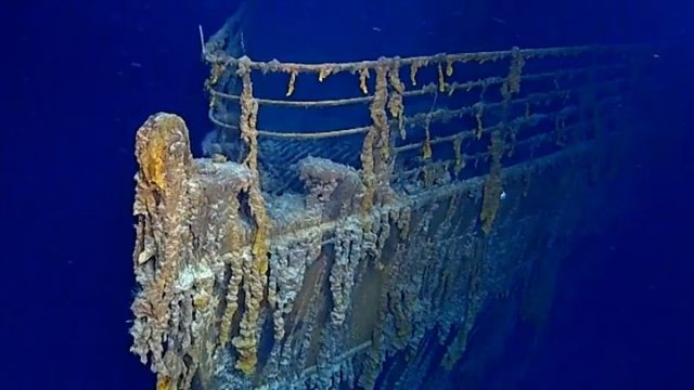 Titanic sub dive reveals parts are being lost to sea - Lovers of Modena skeletons holding hands were both men