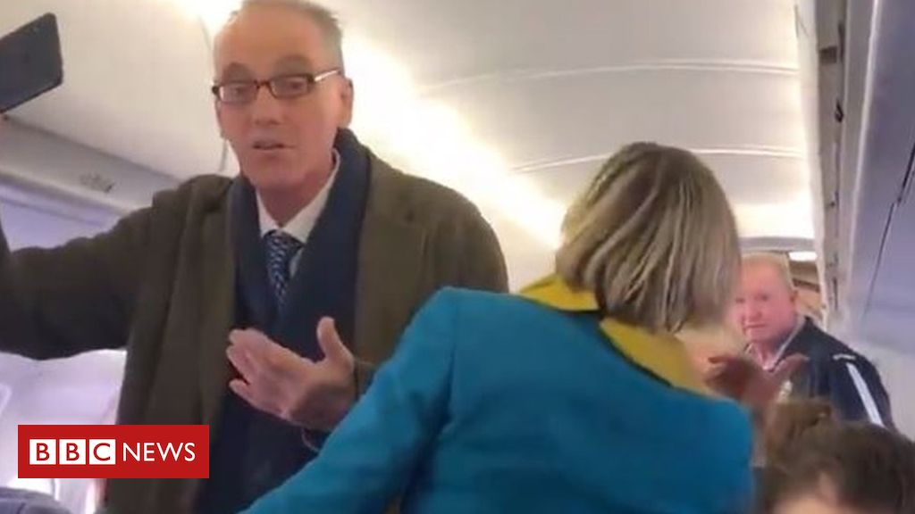 109179059 airportwarrenswalbepawire - Extinction Rebellion: Flight grounded as activists vow to 'shut down' airport