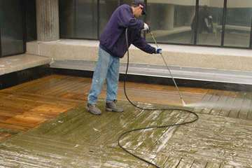 Wood Deck Restoration & Cleaning