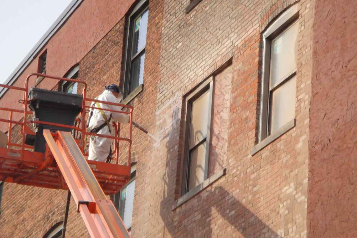 MLKJ_Building_Cleaning_Brick_Cleaning_Farrow_System