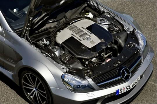 mercedes-benz_v12_engine-540x359