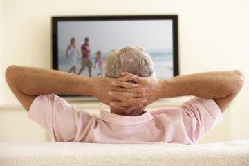 телевизор для пожилых людей фото