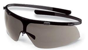 Які бувають захисні окуляри  da8ec427e8fb7