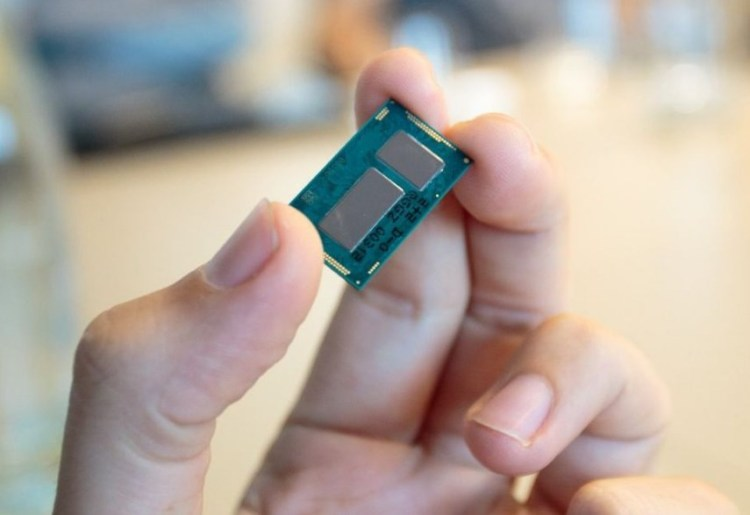 В процессорах от Intel обнаружили восемь новых уязвимостей Spectre (в том числе четыре критических)