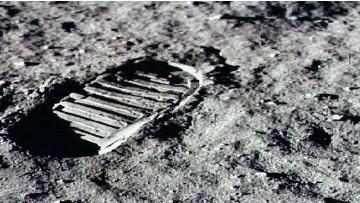 Хьюстон, у нас проблема. Лунная пыль ухудшает человеческие клетки и ДНК