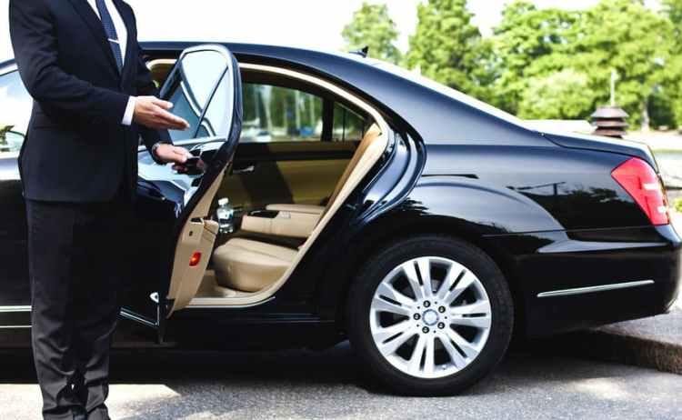 Сколько стоит авто с водителем Киев