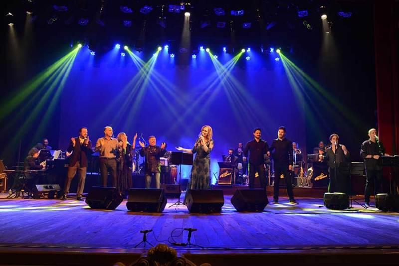 Show de Roberta Vieira com a Datz Jazz Band encanta plateia