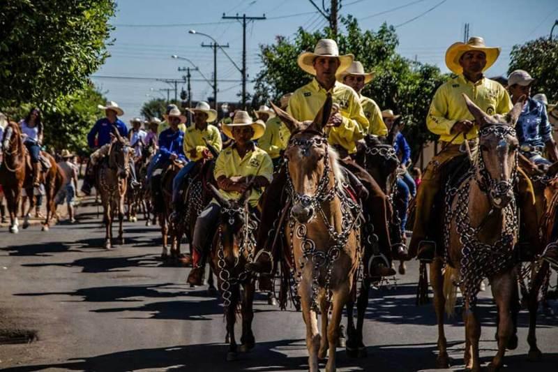 Desfile de Cavaleiros acontece neste domingo (02/07) em Sertãozinho