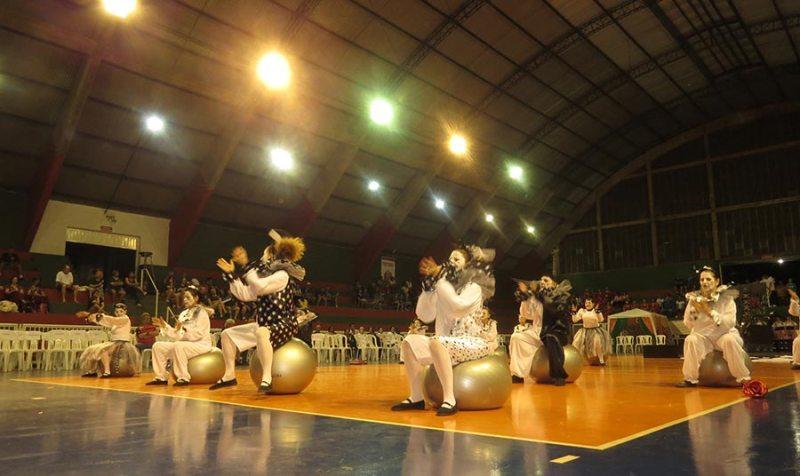 Apresentação da Coreografia de Cravinhos baseada no Cirque du Soleil