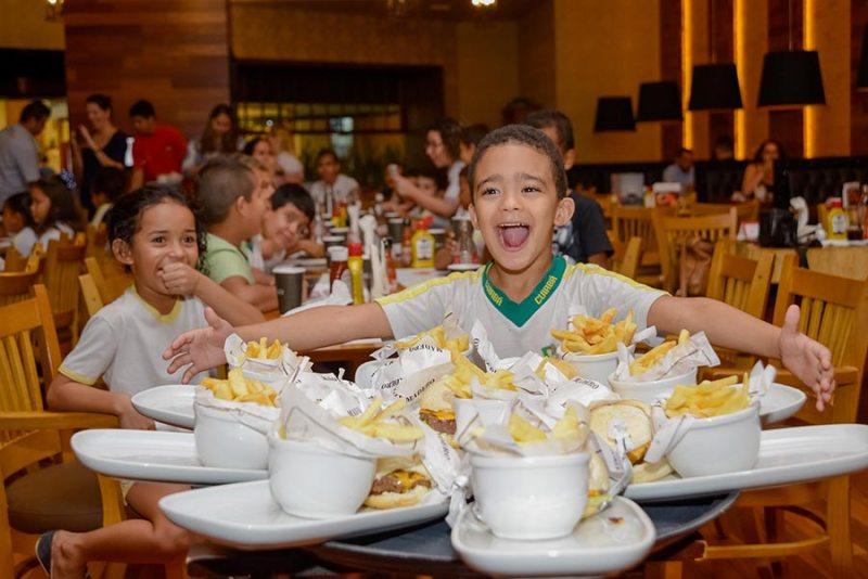 Comer foi uma diversão nesse Dia das Crianças