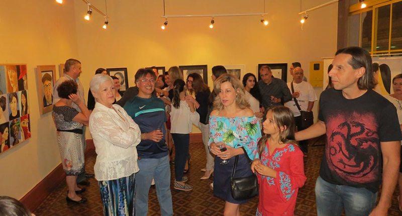 Visitantes puderam conhecer um pouco de cada quadro e painel do artista plástico