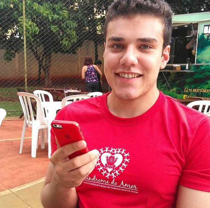Rodrigo Colucci do Blog Amigo Colorido