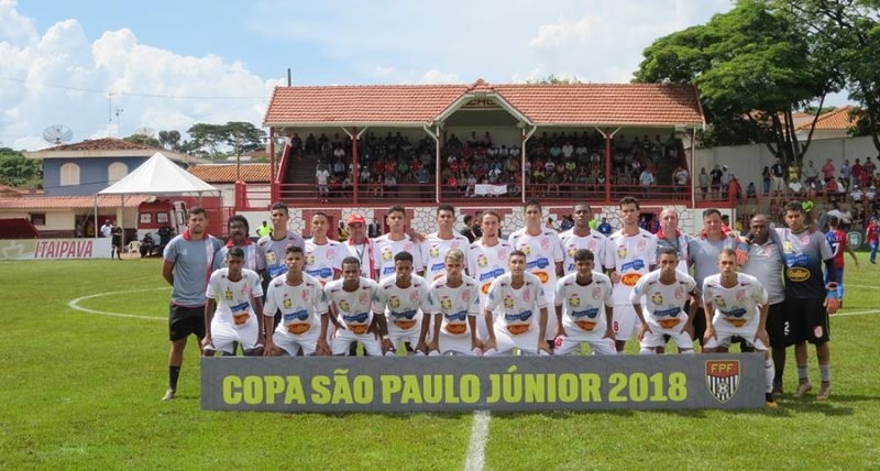 A equipe do Batatais retornou a cidade de Cravinhos após um ano de sua grande campanha na Copinha