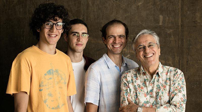 Caetano Veloso e filhos se apresentam em show acústico