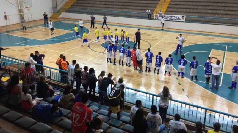 Seleção Brasileira de Futsal Down enfrenta a equipe Egydio Pedreschi