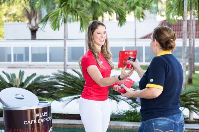 Coca-Cola realiza ações especiais em pontos estratégicos de Ribeirão Preto