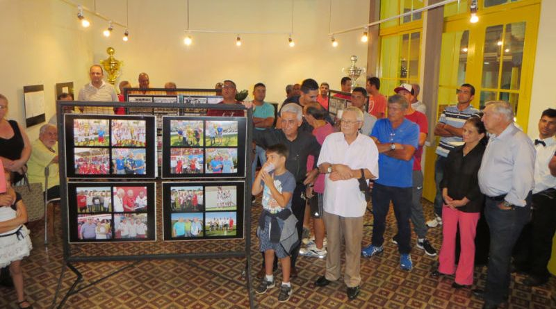 Exposição retrata o CAC e promove encontro de gerações