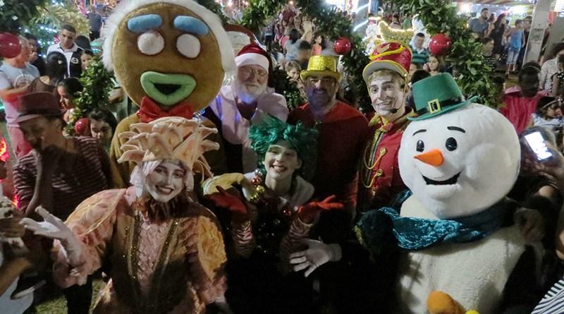 Cravinhos realiza a 1ª Parada Natalina da história