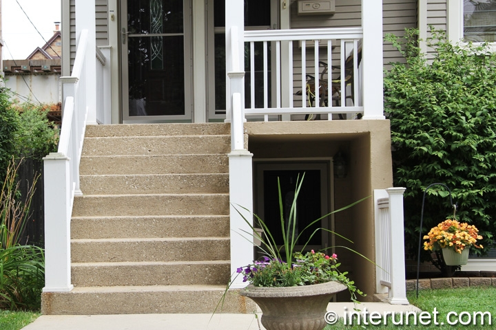 Concrete Stairs With Wood Railing Interunet | Wood Railing On Concrete Steps | Stair Railing | Diy | Wooden | Railing Mode | Staircase
