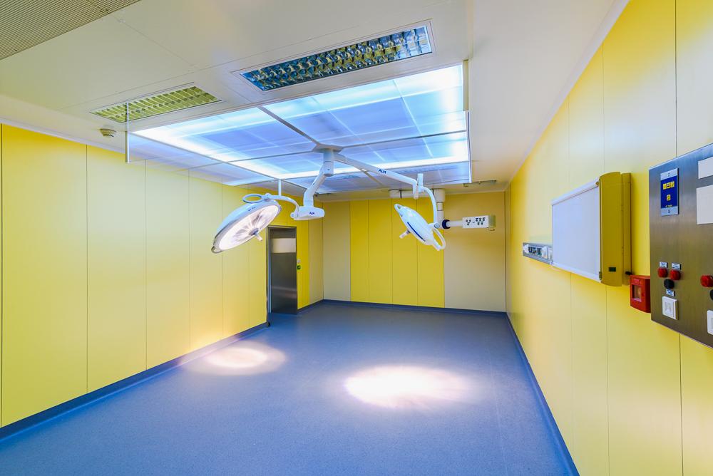 Protégé: Download : DENCOHAPPEL, plafond filtrant, bloc opératoire, polyclinique de Cesson Sévigné, 35
