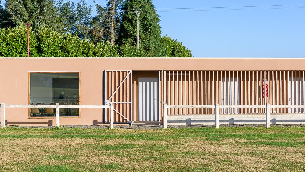 photographe d'architecture ©INTERVALphoto : LAB architectes, vestiaires, Irvillac, 29