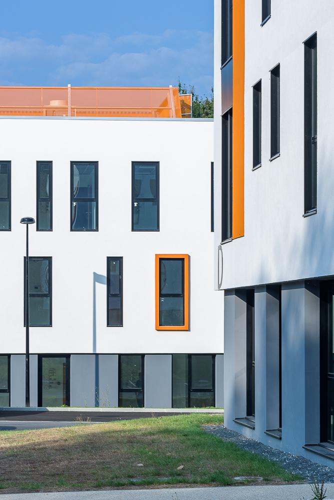 Peoc'h Rubio architectes, Performance Promotion, Groupe Jeulin / Lamotte, Parc du Bois Cesbron, Orvault (44)
