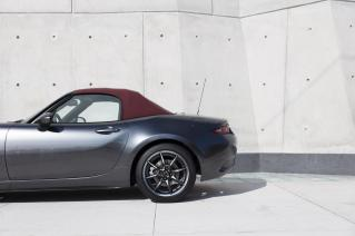 Mazda-MX-5-ST-Red-Heritage02