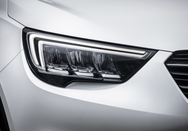 Opel-Crossland-X-Full-LED-Headlamps-305113