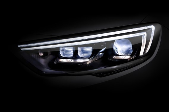 Opel-Insignia-IntelliLux-Headlamp-303845